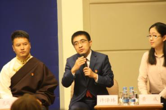 图片 8-图为:许泽玮在中外记者见面会现场 .png